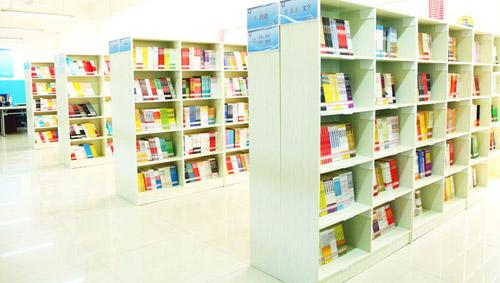 西安轨道交通技师学院图书馆阅览室
